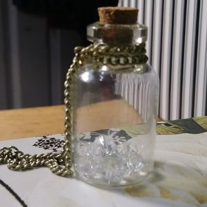 Jewelry - Crystal stone bottle